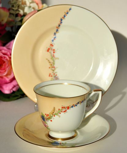 Royal Doulton Rosalee Art Deco Teacup Trio c.1936