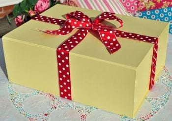 Tea Set Gift Box Pale Yellow