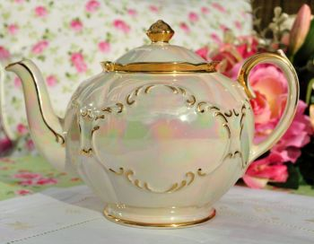 Sadler Lustreware Pearl and Gold Vintage Teapot c.1930s