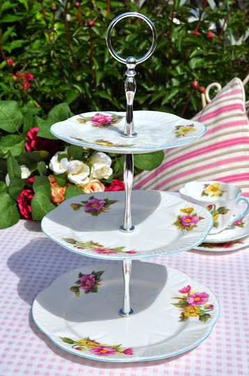 Shelley Begonia Vintage Fine Bone China Cake Stand c.1930s