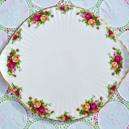 Royal Albert Old Country Roses Vintage Gateau Cake Plate c.1962-73