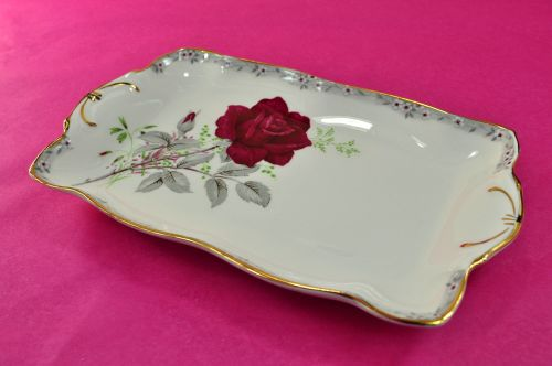Royal Stafford Roses To Remember Sweetie Tray