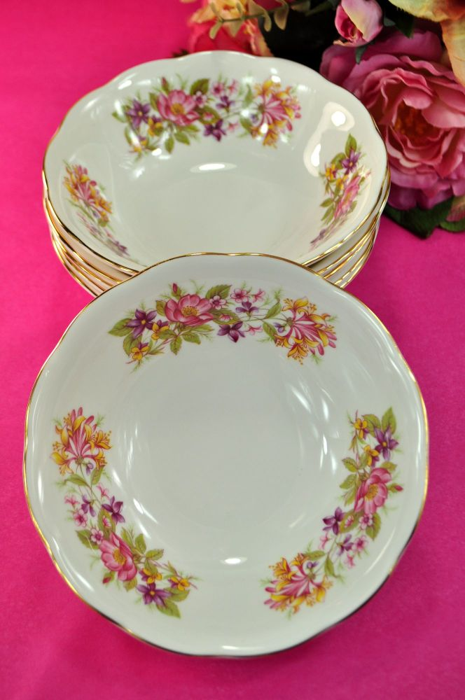Colclough Wayside Hedgerow Pattern Dessert Dishes Set
