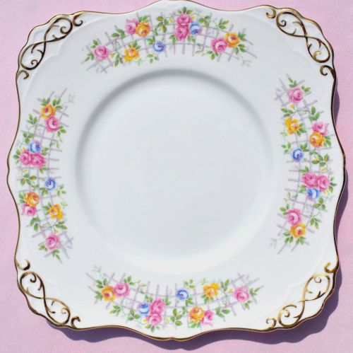 Tuscan China Rose Trellis Cake Serving Plate c.1947+