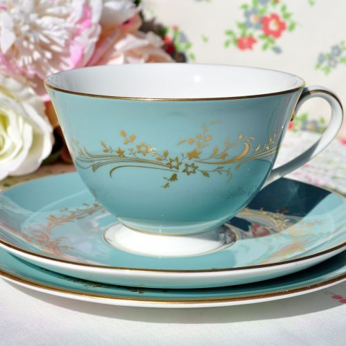 Royal Doulton Melrose H.4955 Vintage Teacup Trio