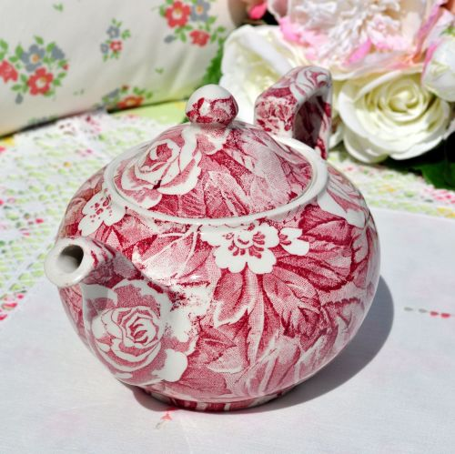 pink and white rose pattern