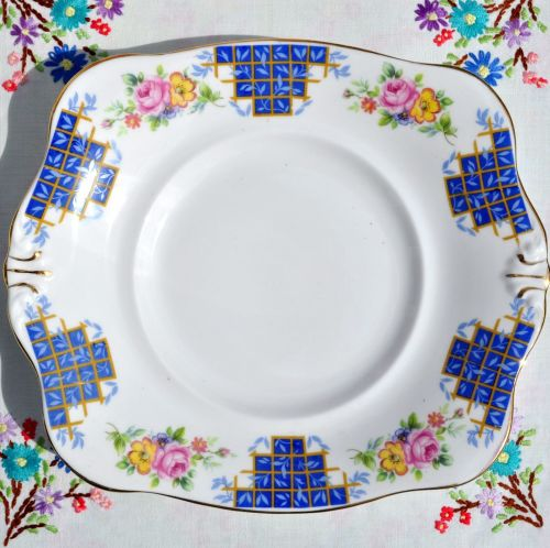 Plant Tuscan Blue Trellis Floral Cake Plate c.1930s