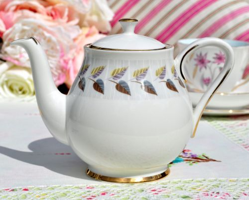Royal Standard Olympus One Pint Teapot c.1950s