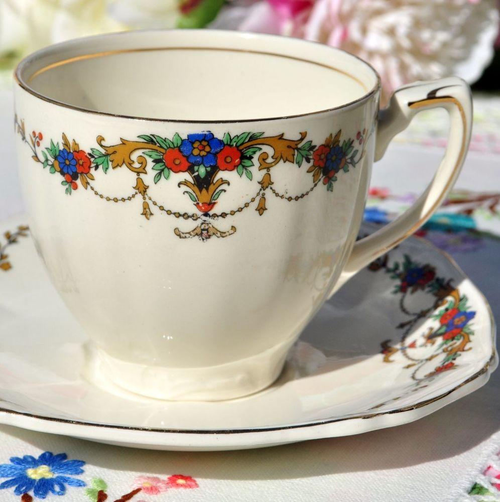 Alfred Meakin Creamware Teacup and Saucer c.1920+