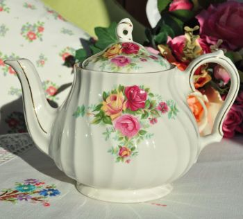 Sadler Pink and Yellow Roses 1.75 Pint Teapot c.1950s