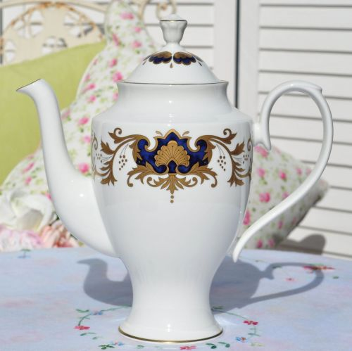 Francis and Jellyman Fine Bone China Tall Marquis Teapot