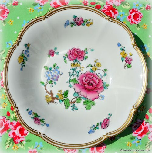 <!--012-->Dessert Sets, Soup Bowls and Dishes
