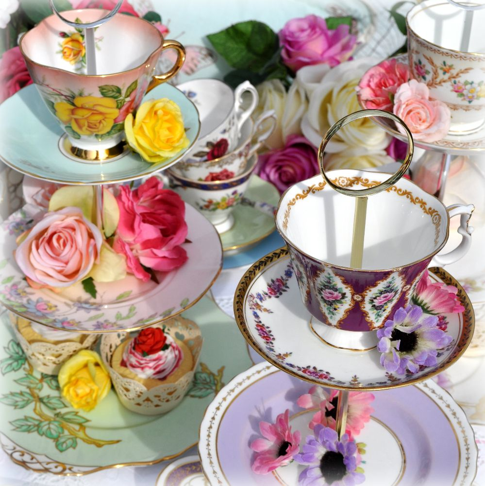 <!--004-->Teapot and Teacup Top Quirky Cake Stands