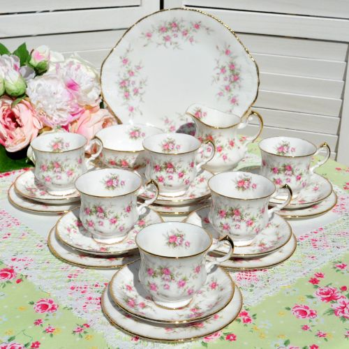 Paragon Victoriana Rose 21 Piece China Tea Set