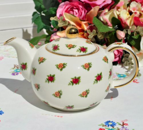 Royal Albert Old Country Roses Classic II Teapot