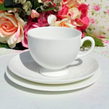 Wedgwood White China Teacup Trio c.1940s