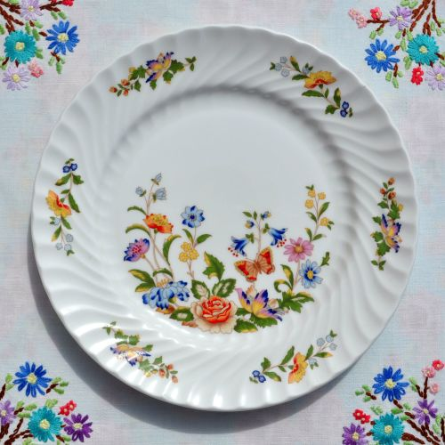 Aynsley Cottage Garden 21cm Sandwich or Salad Plate