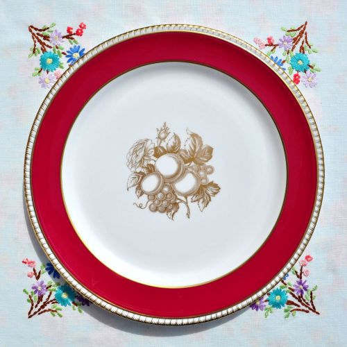 Spode Red and Gold 26 cm Dinner Plate