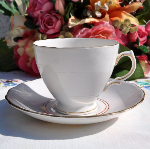 Royal Vale Dove Grey Teacup and Saucer c.1950s