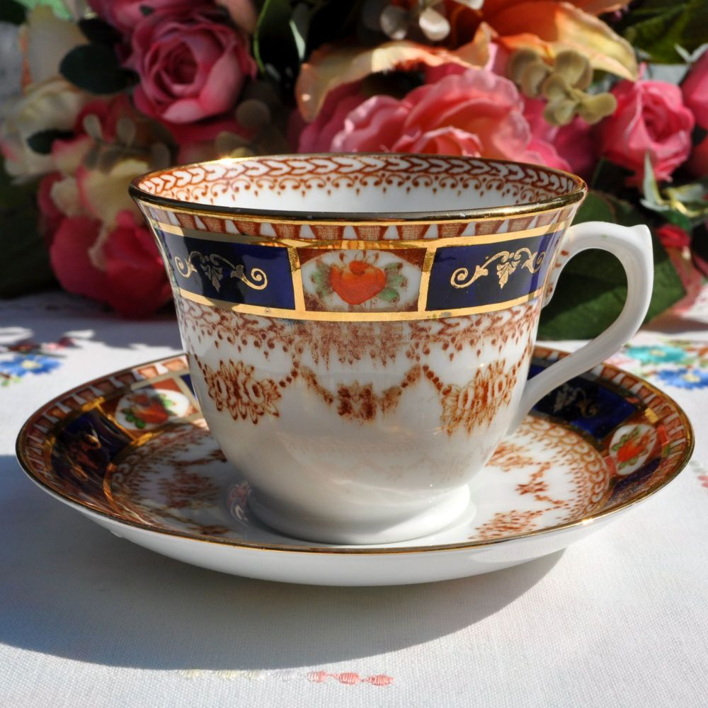 Roslyn China Imari Style Teacup and Saucer c.1937