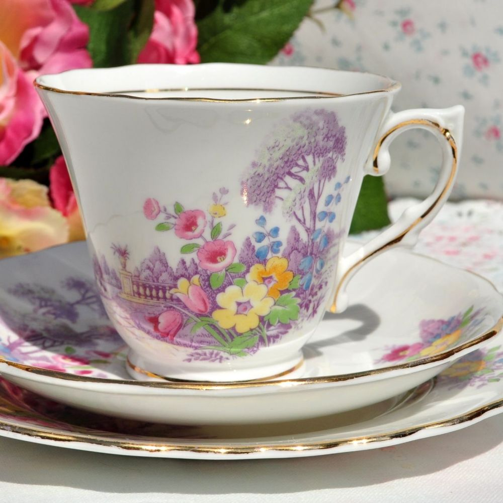 Colourful floral Art Deco style teacup 1945-48