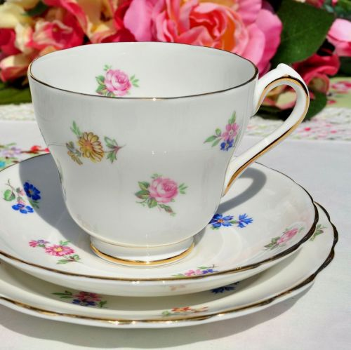 New Chelsea Scattered Flowers Teacup Trio c.1936+