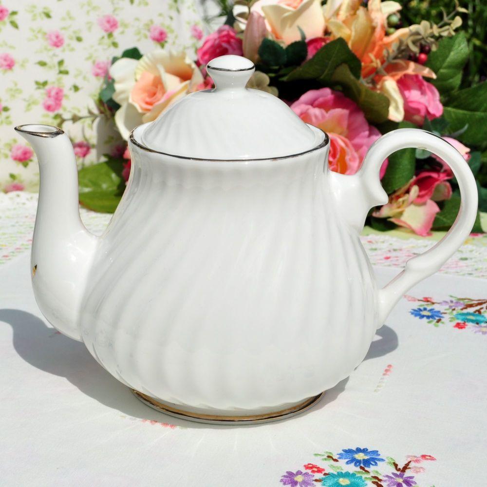 Sheltonian China White Swirl 2 Pint Teapot