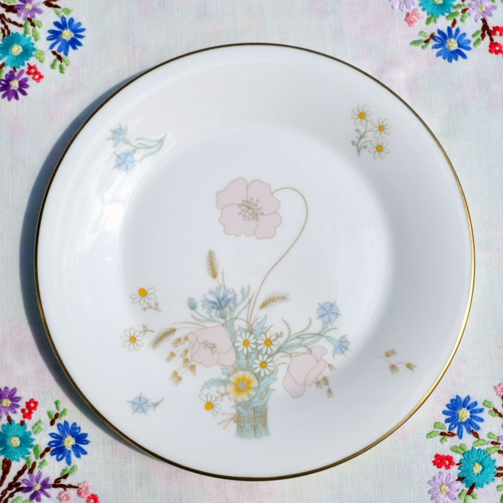 Royal Doulton Flirtation H.5043 China 20cm Plate c.1976
