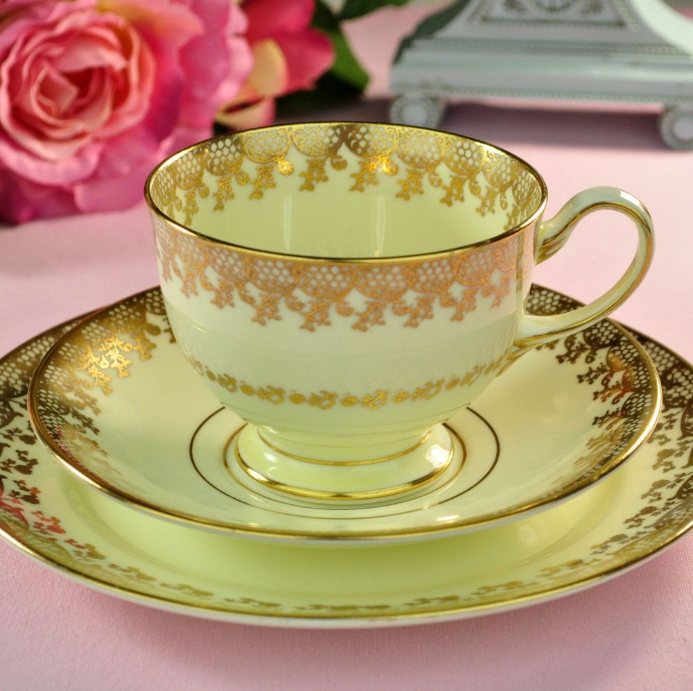 Collingwoods Cream and Gold Lace Vintage Teacup Trio c.1940