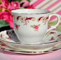 Crown Staffordshire Wentworth Teacup Trio c.1950s