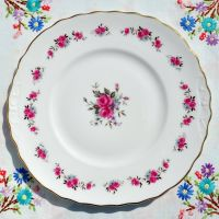 Queen Anne Rose Spray Cake Plate c.1960's