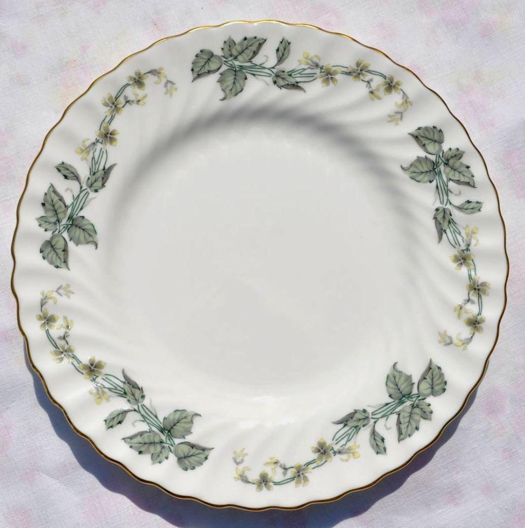 Swirl fluted bone china