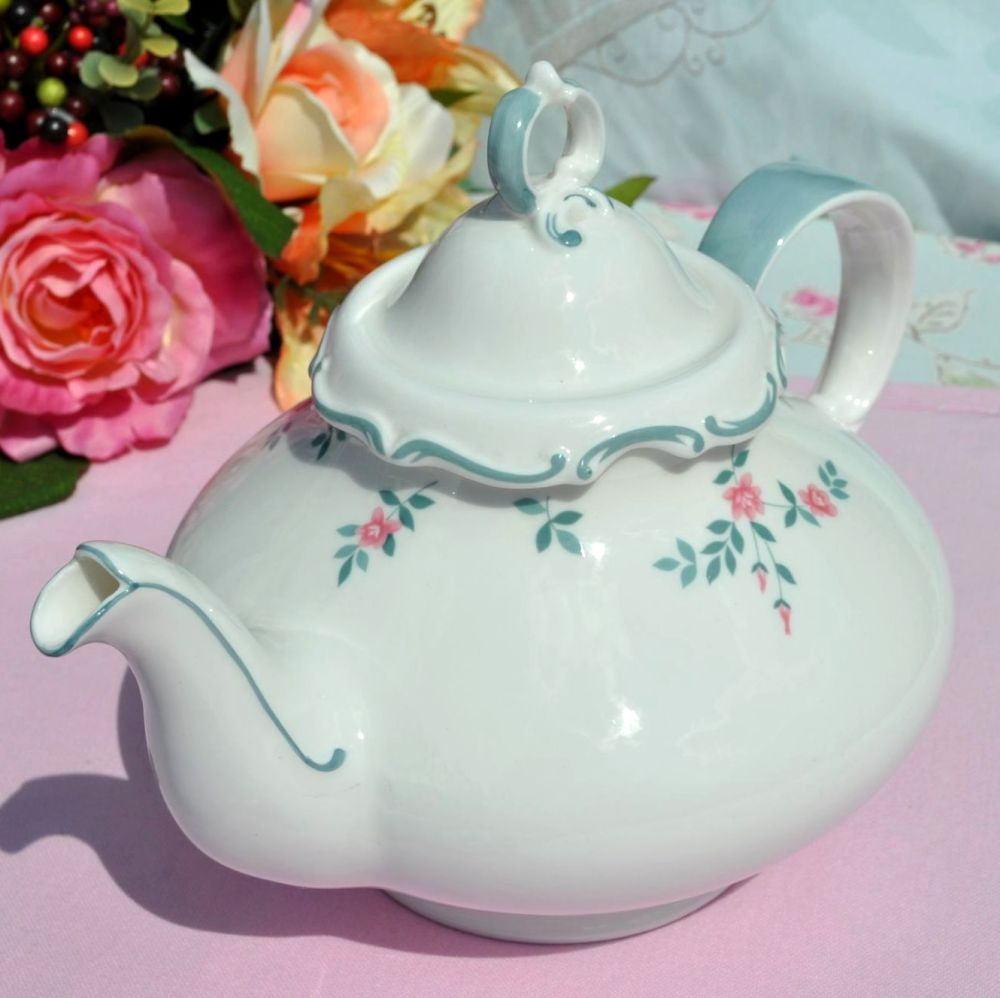 Royal Doulton Chatelaine H.4960  2 Pint Teapot