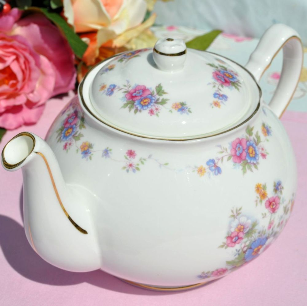 Duchess Rosemary Pretty Floral Vintage Bone China 2 Pint Teapot c.1950s