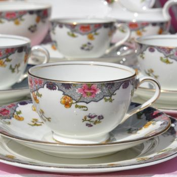 Aynsley Antique Bone China 21 Piece Tea Set Pattern No. A3541