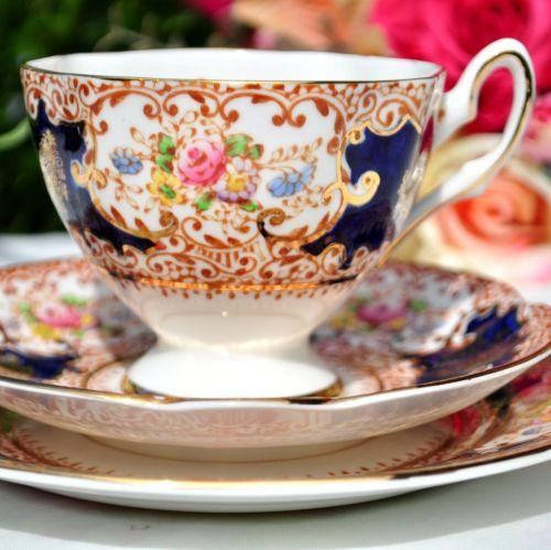 Salisbury Floral Imari Teacup Trio