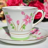 Roslyn Art Deco Style Teacup and Saucer c.1950s