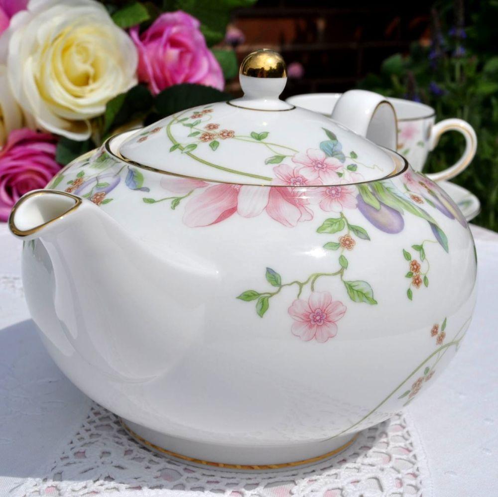 Wedgwood Sweet Plum Pattern Fine English Bone China 2 Pint Teapot