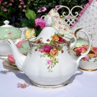 Royal Albert Old Country Roses 2 Pint Teapot c.1973+