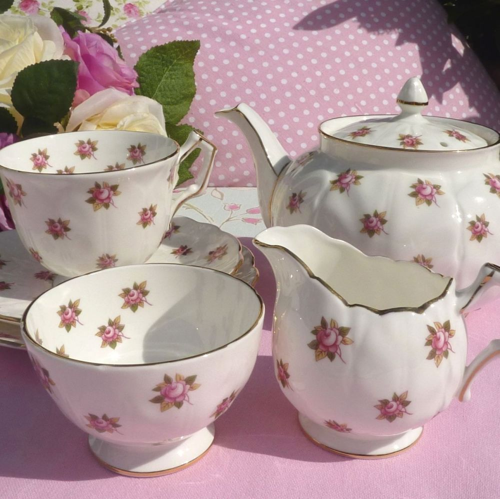 Aynsley Fine English Bone China Pink Roses Crocus Shape Tea Set for One