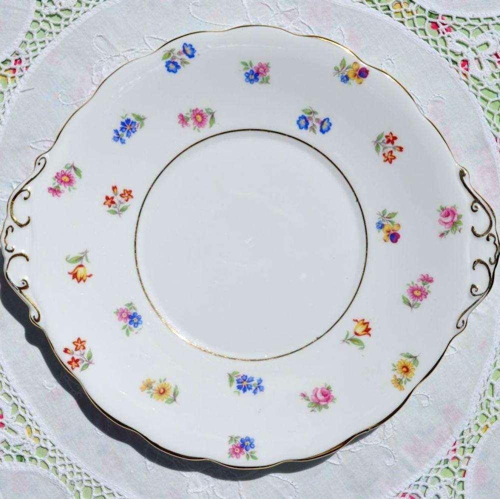 Roslyn Scattered Flowers Cake Plate