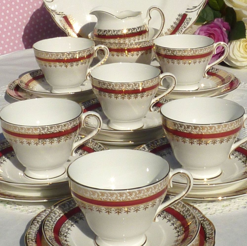 Salisbury Sarum Red and Gold Bone China 21 Piece Vintage Tea Set