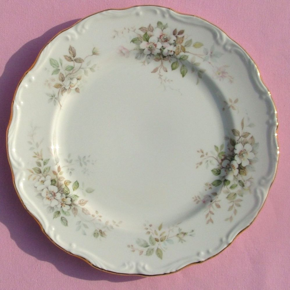 Royal Albert Haworth Set of Six Vintage Bone China Dinner 26.5cm Plates