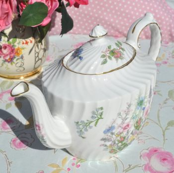 Aynsley Wild Tudor Large Floral 2.5 Pint Teapot in Excellent Condition
