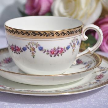 Antique Collingwood Laurel Wreath Pattern Hand Painted Teacup Trio c.1887-1900
