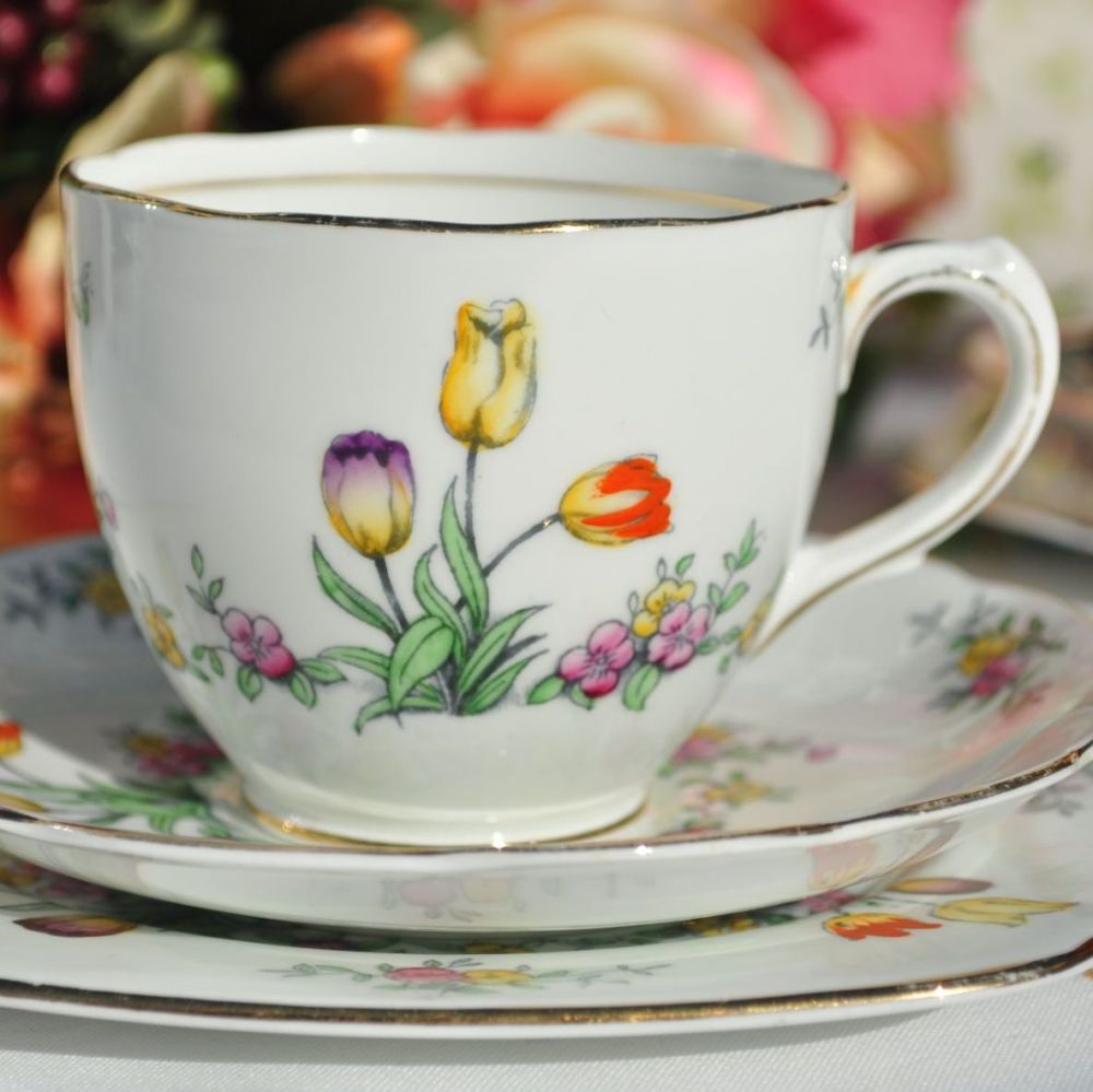 Antique Bell China Hand Painted Tulip Teacup Trio c.1911