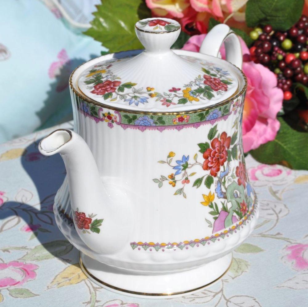 Queen's Flower of Amaron Vintage 2 Pint Teapot