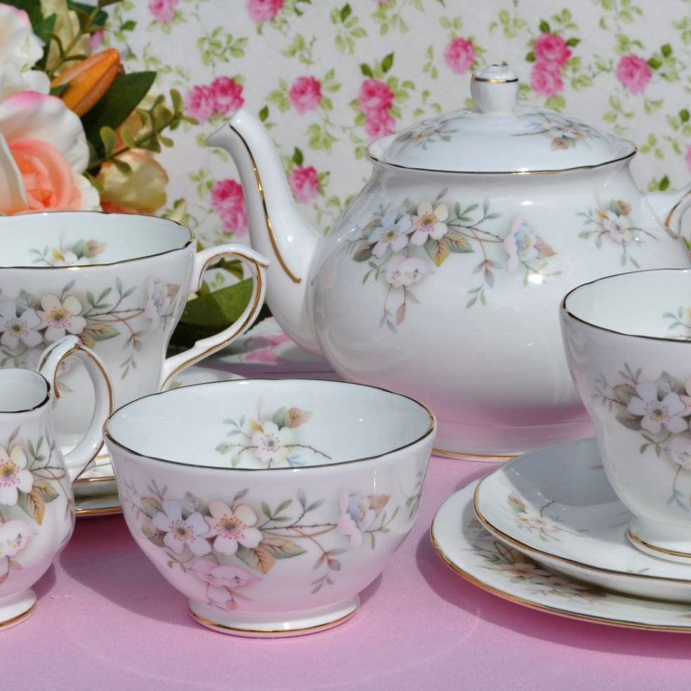 Duchess Lansbury Vintage Tea Set For Two with Teapot