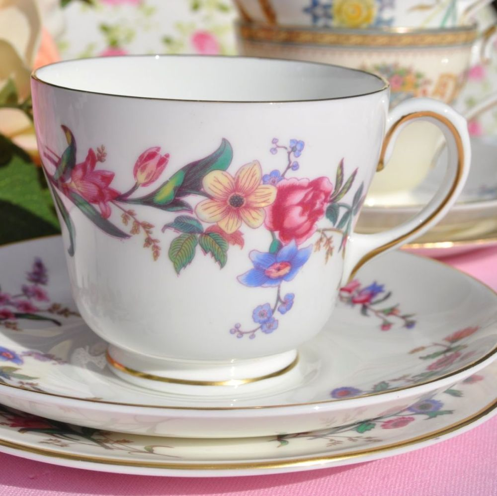 Wedgwood Devon Sprays W.4076 Vintage Tea Trio