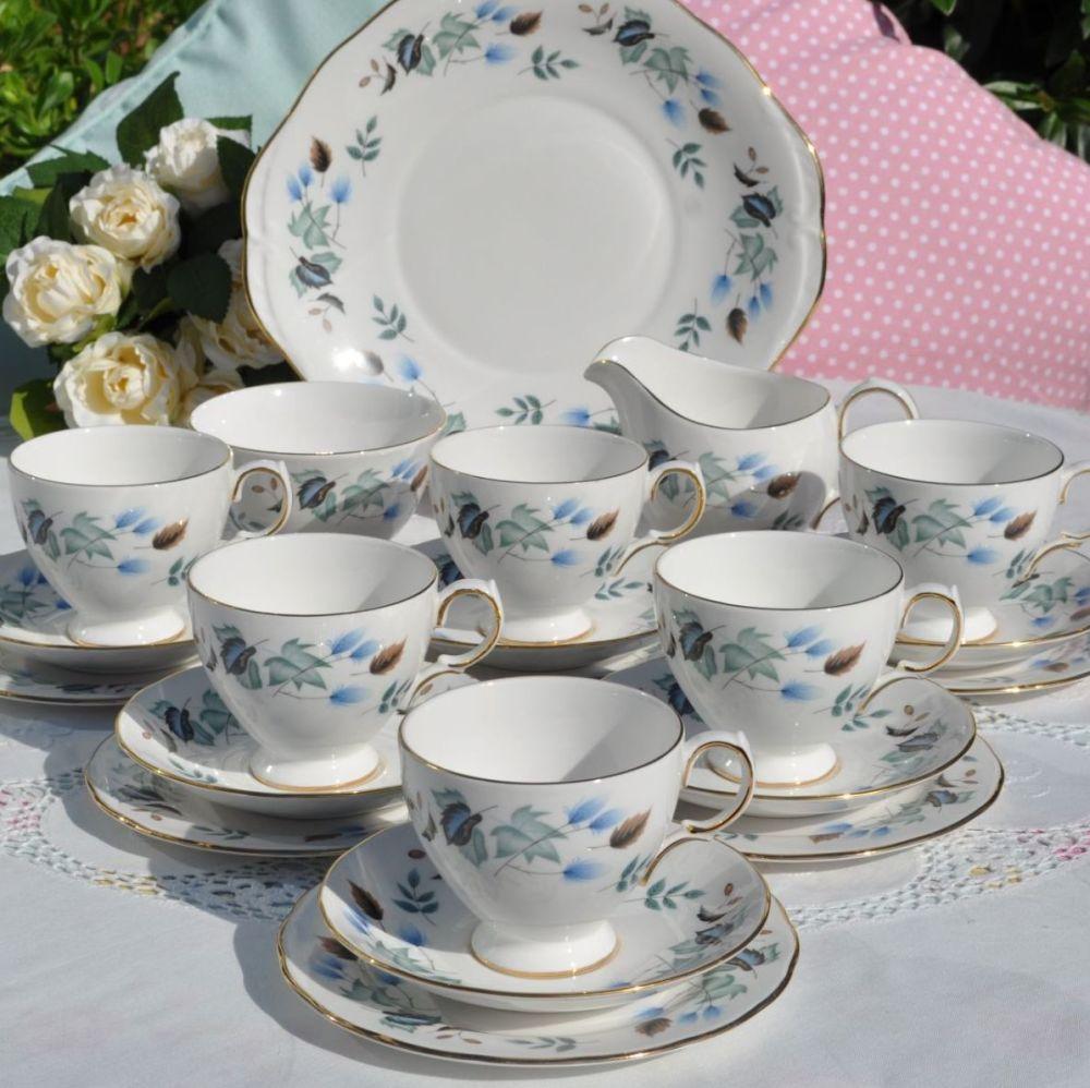 Colclough Linden Pattern No. 8162 Bone China 21 Piece Vintage Tea Set